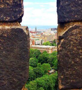 Bring me back to Edinburgh for an affordable European weekend getaway.