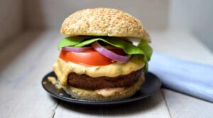One of the delicious burgers you'll enjoy at PS Kitchen.